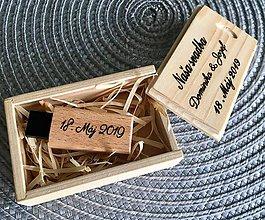 Krabičky - Drevená krabička + drevený USB 3.0 kľúč - 10834191_