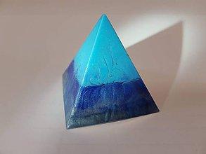 Dekorácie - Modrá pyramída - 10833826_