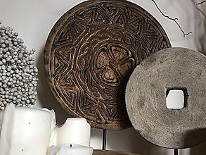 Dekorácie - Vyrezávaný drevený kruh - 10833593_