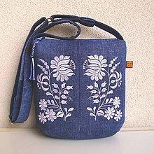 Kabelky - Džínsová recy kabelka modrá/ folk kvety biele a modrotlač - 10833986_