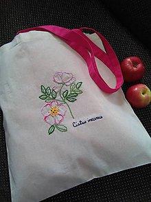 Nákupné tašky - Divá ruža (ručne vyšívaná taška) - 10836885_