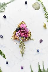 Odznaky/Brošne - Kvetinová brošňa s černicou - 10837087_