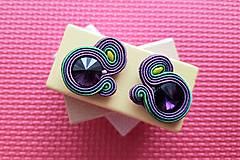 Kolorky - soutache earring - ručne šité šujtášové náušnice (Fialové kolorky - soutache earring - ručne šité šujtášové náušnice)