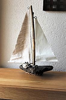 Dekorácie - Loďka z naplaveného dreva II - 10835551_