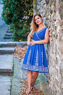 Šaty - Ornamentové modré šaty (Vajnorský ľudový ornament zo Slovenska) - 10835206_