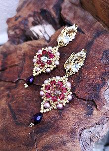 Náušnice - Šité náušnice fialovo-zlaté, Swarovski, mosadz - 10836561_