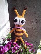 Iný materiál - Návod na háčkovanú včielku - 10839464_