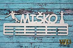 Nábytok - Vešiak na medaile pre futbalistu a šachistu - 10838135_