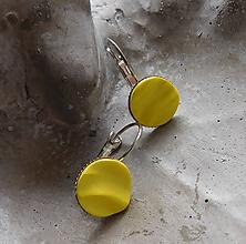 Náušnice - náušničky vlnky žlté - 10839118_