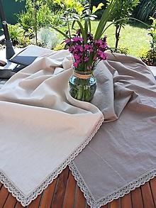 Úžitkový textil - Ľanový obrus v prírodných odtieňoch s krajkou - 10839007_