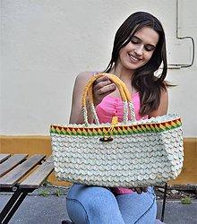 Kabelky - Košíková kabelka so vzorovaným háčkovaným lemom a novou technikou pletenia palmových listov - 10840283_