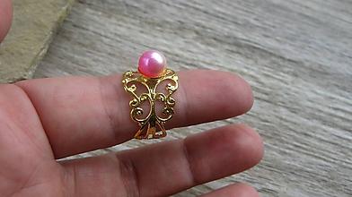Prstene - Filigránový prsteň s perlou (farba kovu zlatá, dúhová perla č. 2739) - 10837943_