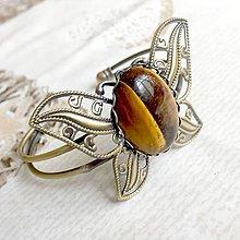 Náramky - Butterfly Bracelet / Náramok v tvare motýľa s minerálom v bronzovom prevedení (Tigrie oko) - 10841547_