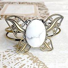 Náramky - Butterfly Bracelet / Náramok v tvare motýľa s minerálom v bronzovom prevedení (Magnezit) - 10841556_