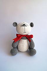 Hračky - Háčkovaný macko - Ňuňúch veľký   Biela   Šedá   Červená mašľa - 10841512_