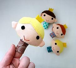 Hračky - Prstová maňuška princ - na výber - 10842842_