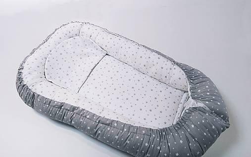 Hniezdo pre bábätko bielo-sivé hviezdičkové