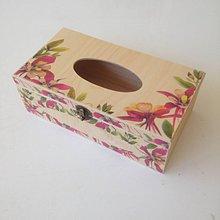 Krabičky - Brezová krabička na vreckovky s akvarelovými kvetmi - 10843644_