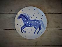 Nádoby - tanierik s koníkom v cvale v akcii - 10844966_