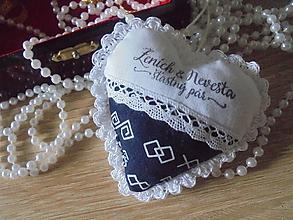 Darčeky pre svadobčanov - Svadobné srdiečko folk - 10844767_