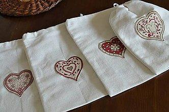 Úžitkový textil - Malé srdiečkové ľanové vrecúška - 10847407_
