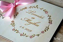 Papiernictvo - Svadobná kniha hostí, drevený fotoalbum -  venček13 - 10847932_