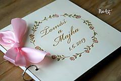 Papiernictvo - Svadobná kniha hostí, drevený fotoalbum -  venček13 - 10847937_