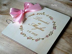 Papiernictvo - Svadobná kniha hostí, drevený fotoalbum -  venček13 - 10847933_