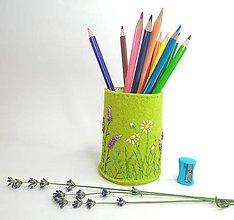 Pomôcky - Stojan na ceruzky: Lúka - 10846724_