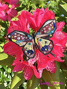 Odznaky/Brošne - Brošnička motýľ pestrofarebný-priehľadný :) - 10850826_