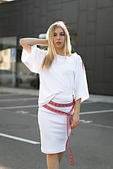 Boxy tričko FOLK biele
