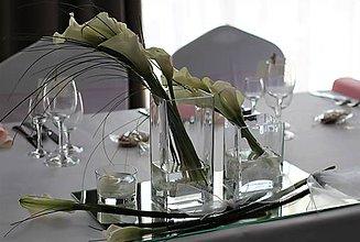 Dekorácie - Svadobná výzdoba s kalami - 10854630_