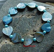 Náramky - perleťový náramoček tyrkys Love - 10853229_
