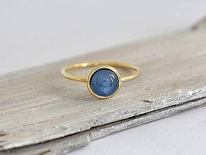 Prstene - 585/1000 zlatý prsteň s prírodným kianitom - 10856919_