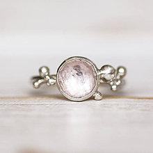 Prstene - Strieborný prsteň s ružovkavým morganitom - Bokeh Morgan - 10855940_