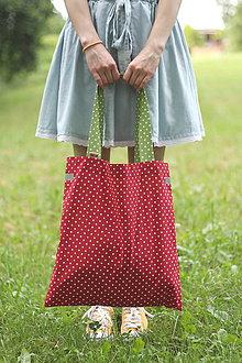 Nákupné tašky - Eko nakupovačka FILKI skladacia (červená s bielymi bodkami a zeleným uchom) - 10855219_
