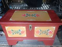 Nábytok - Maľovaná truhlica - 10860444_
