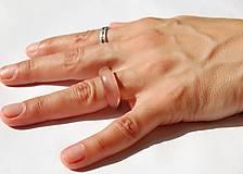 Prstene - Živicovo - drevený prstienok 1 - 10859785_