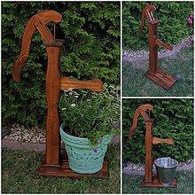 Dekorácie - Záhradná ručná pumpa - 10858527_