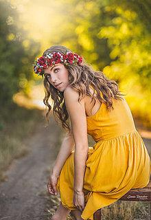 Ozdoby do vlasov - Veľký kvetinový červený venček z ruží - Ruženka - 10860672_
