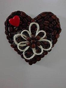 Dekorácie - Magnetka z kávy srdiečko - 10860859_
