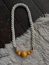 Náhrdelníky - Žluté korále na přírodním laně - 10860724_