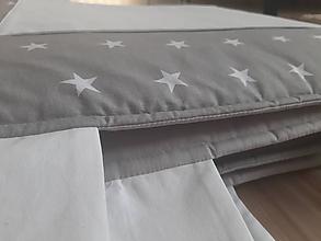 Úžitkový textil - Zástena za posteľ... (Šedá + bílé kapsy) - 10863901_