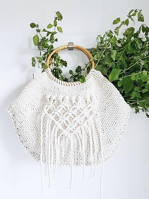 Pletená kabelka s rúčkami a makramé - prírodná
