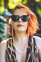 Iné šperky - perlová retiazka na okuliare - sklené / shell perly - 10868228_