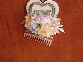 Ozdoby do vlasov - Marhuľkovo- ružový hrebienok so štipkou modrej - 10867364_