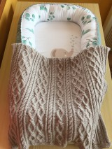 Textil - Detská pletená deka s osmičkami - 10869870_