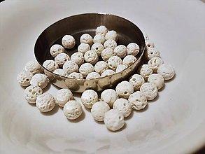 Korálky - Guličky z Lávového kameňa - biele - 10871640_
