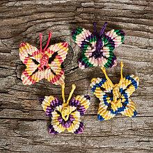 Odznaky/Brošne - Brošňa makramé motýľ - 10868939_