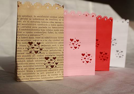 Papierový svietnik (s dnom) - srdiečkový motív (rôzne farby)